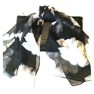 🌺Talbots Sheer Scarf Black White Gray Flowers